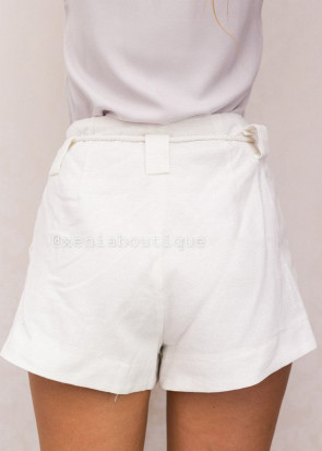 Xenia ecru shorts XS-S vit